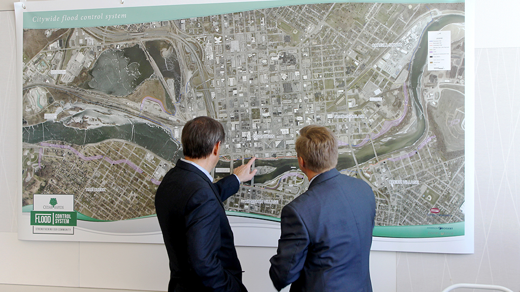 Jon Bogert explains the Cedar Rapids flood Mitigation Project alignment